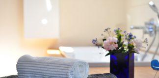 מעצבים מחדש: 6 שדרוגים קטנים שיהפכו את חדר הרחצה למושלם
