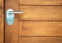 איך לבחור דלתות לבית?